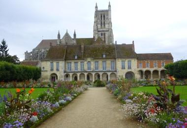 Cathedral and Bossuet garden